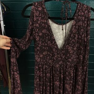 American Eagle Open Back Peplum Long Sleeve Floral